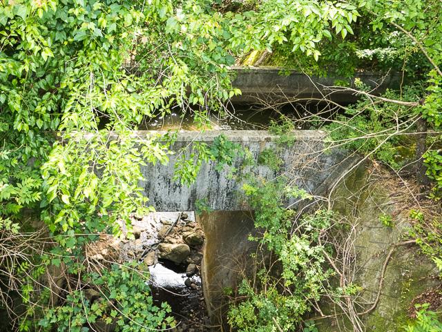 川をまたぐ荒瀬井路