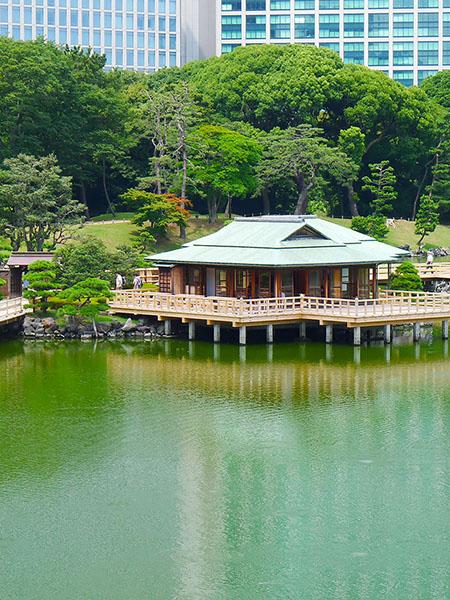 浜離宮 池と中島の御茶屋